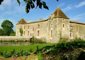 Niort,France,Château,1064